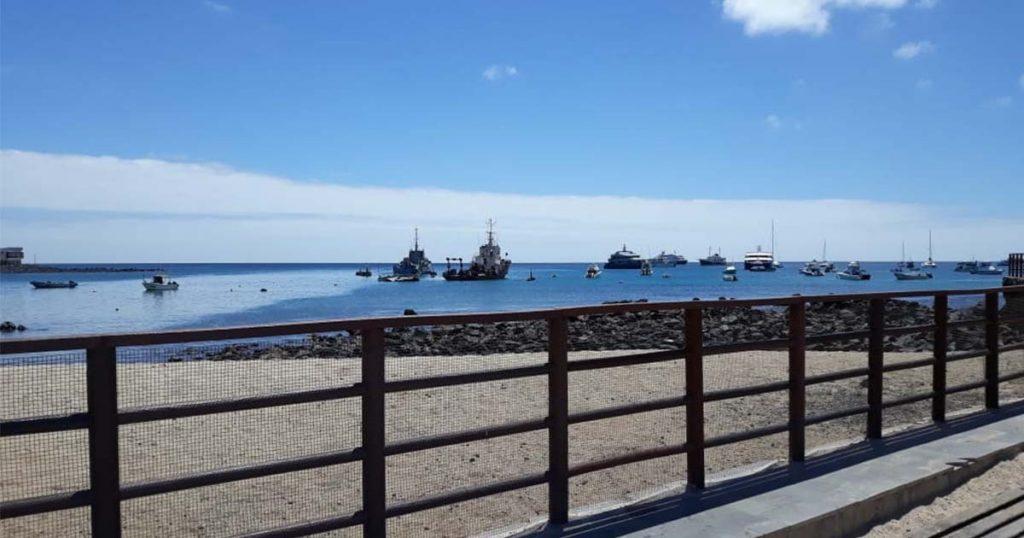 Vista del Muelle de San Cristobal en las Islas Galápagos