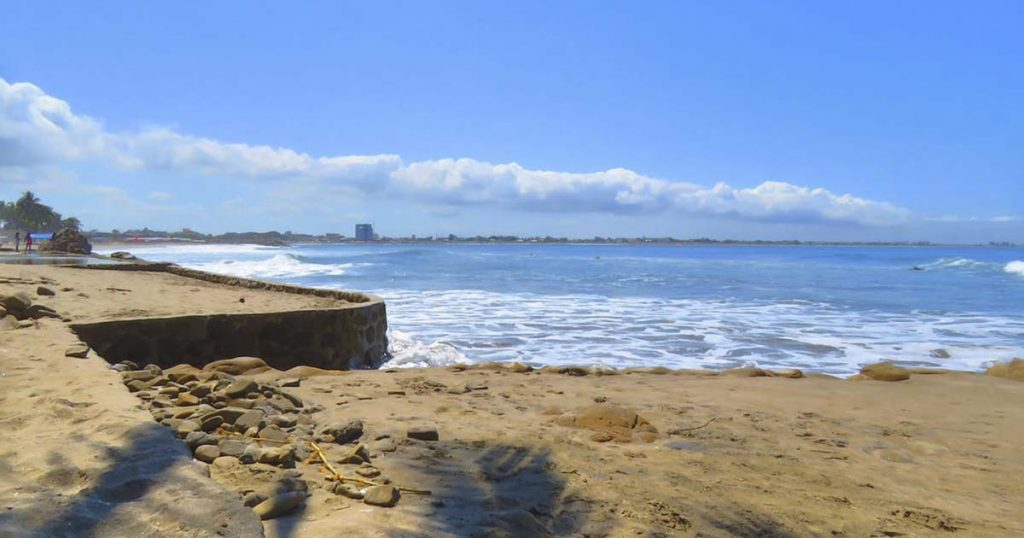 Cantón Playas de Ecuador: Aguas verdes en General Villamil