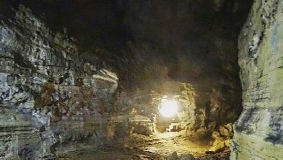 Varios Tuneles de Lava en Santa Cruz