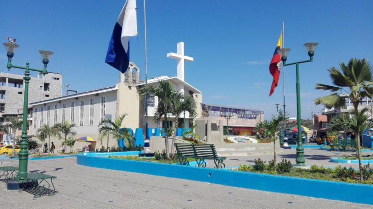 Plaza Cívica de General Villamil Playas